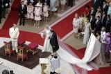 Charlene arriva all'altare