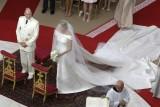 I due sposi all'altare