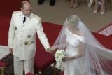 Alberto di Monaco accoglie la sua Charlene