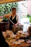 La preparazione della mozzarella