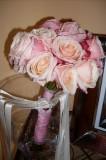 Bouquet di rose con nastri di raso